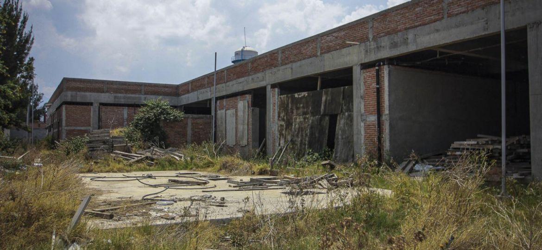 Construcciones de hospitales se suspendieron por COVID-19. *Foto: Notimex