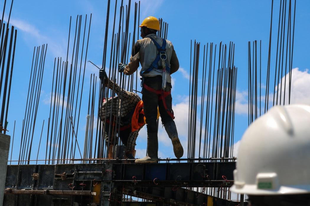 programas de vivienda y de construcción son centrales